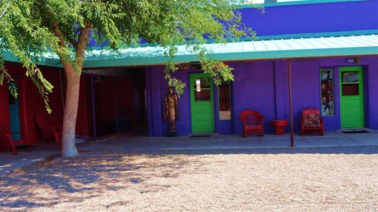 pelican-courtyard-2