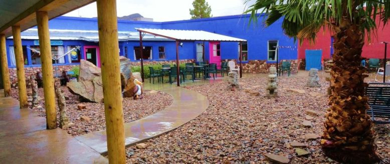 pelican-courtyard-3